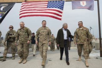 hagel with troops