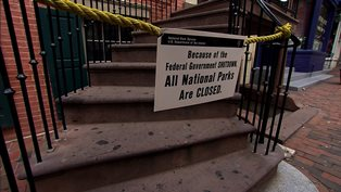 government shutdown sign that says national parks are closed