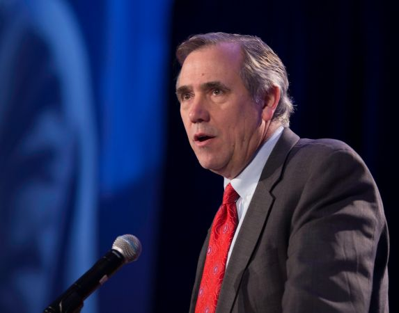 U.S. Sentor Jeff Merkley of Oregon at the 31st MLK Breakfast, Portland, Jan. 16, 2017 (Antonio Harris)