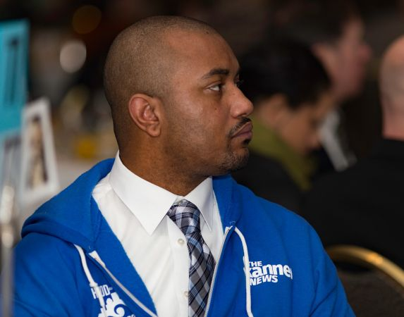 Volunteer at The Skanner's 31st MLK Breakfast, Portland, Jan. 16, 2017 (Antonio Harris)