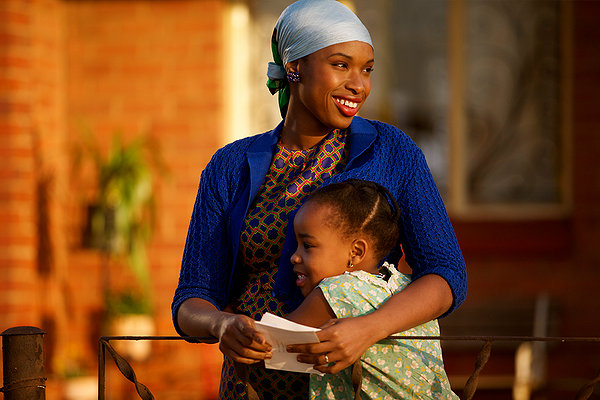 Jennifer Hudson as Winnie Mandela in the movie Winnie Mandela