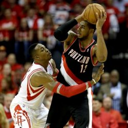 Howard defends Aldridge