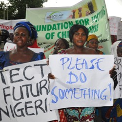Protests in Nigeria over girls' kidnapping