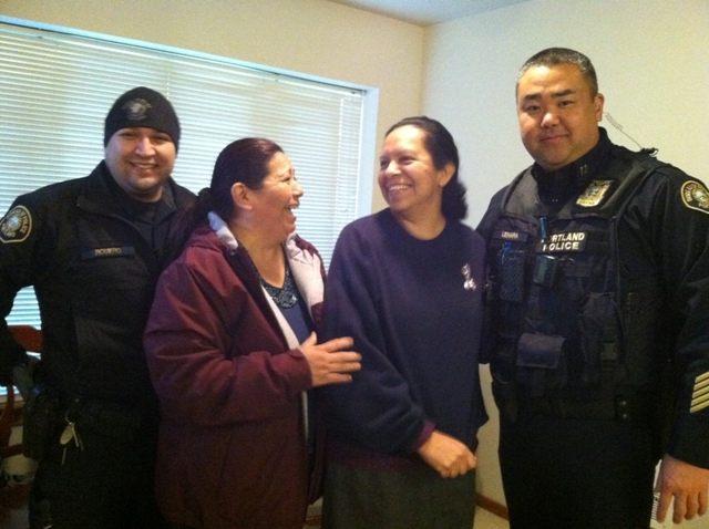 Villa de Mariposas residents celebrate with Portland Police officers