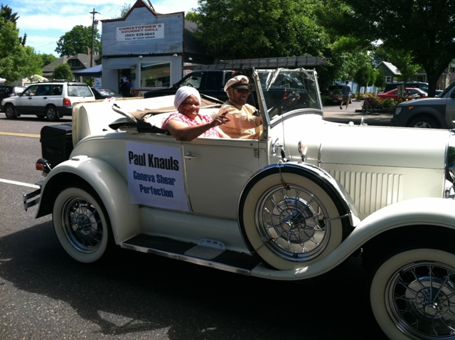 Clara Peoples in the Juneteenth Parade with Paul Knauls