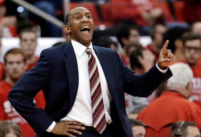 Stanford coach Johnny Dawkins calls to his team