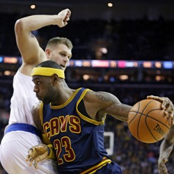 LeBron James plays for Cleveland Cavaliers against Knicks