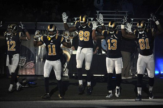 St Louis Rams 'hands up don't shoot't