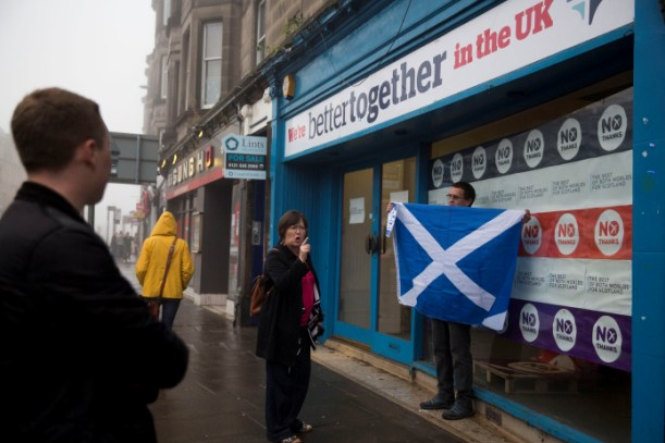 People argue opposing sides in the Scottish Independence Referendum