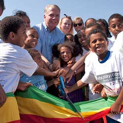 seattle mayor Ed Murray with Ethiopian children
