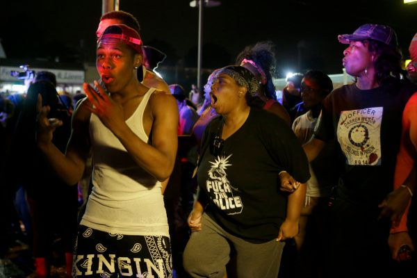 Protesters fill streets of Ferguson, Missouri