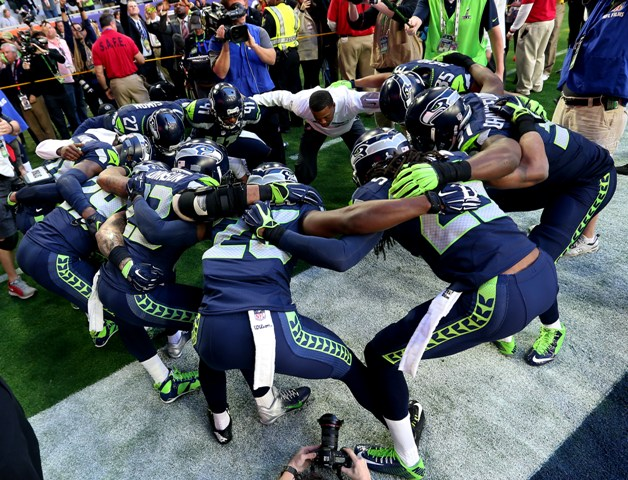 Seattle Seahawks huddle before Super Bowl
