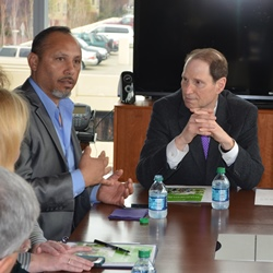 Alberto Moreno and Sen. Ron Wyden