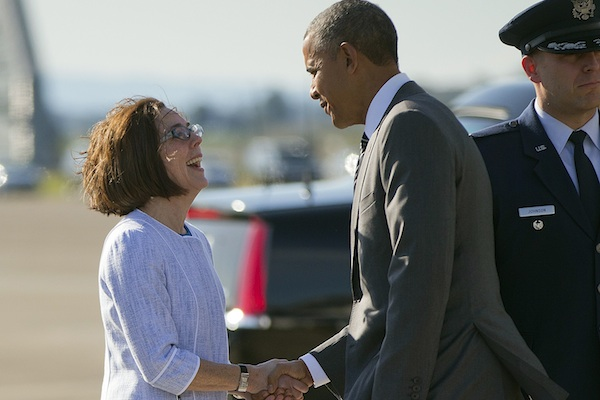 Oregon Gov Kate Brown welcomes President Obama