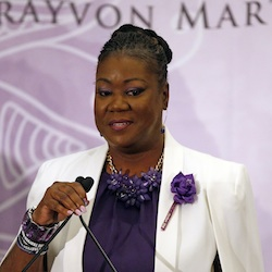 ybrina Fulton, mother of Trayvon Martin, talk to the group prior to introducing Democratic presidential candidate Hillary Clinton at the Trayvon Martin Foundation's