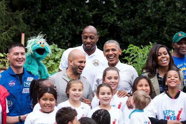 On Thursday, Oct. 6, President Barack Obama made a surprise visit to the White House Kitchen Garden on the South Lawn of the White House. First Lady Michelle Obama invited school children for her final fall harvest. Photo by Cheriss May, Howard University News Service
