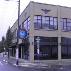 exterior of Fontaine Bleau nightclub in Portland, Oregon