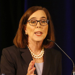 Oregon Democrat and GOP Opponents Debate, Remain Civil