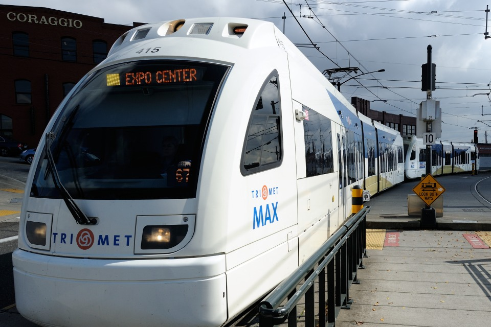 Portland TriMet MAX Yellow Line arrives at Albina/Mississippi station (Photo: Tim Adams)