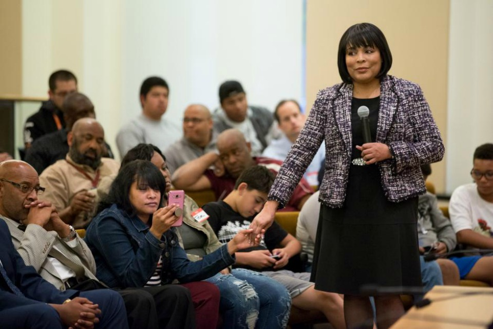 Commissioner Loretta Smith at a town hall. (Photo courtesy of Multnomah County)