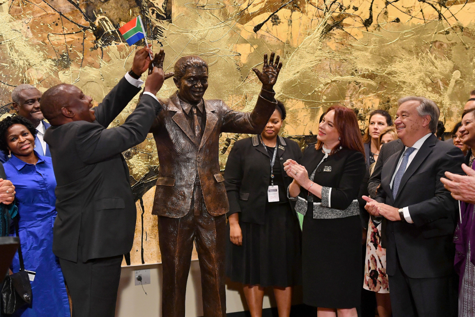 South Africa President Cyril Ramaphosa, left, United Nations General Assembly President Maria Fernanda Espinosa, center, and United Nations Secretary General Antonio Guterres attend the unveiling ceremony of the Nelson Mandela Statue which was presented as a gift from the Republic of South Africa, Monday, Sept. 24, 2018, at United Nations headquarters. (Angela Weiss/Pool Photo via AP)