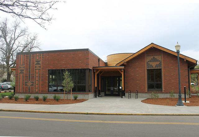 lonnie b harris center building2