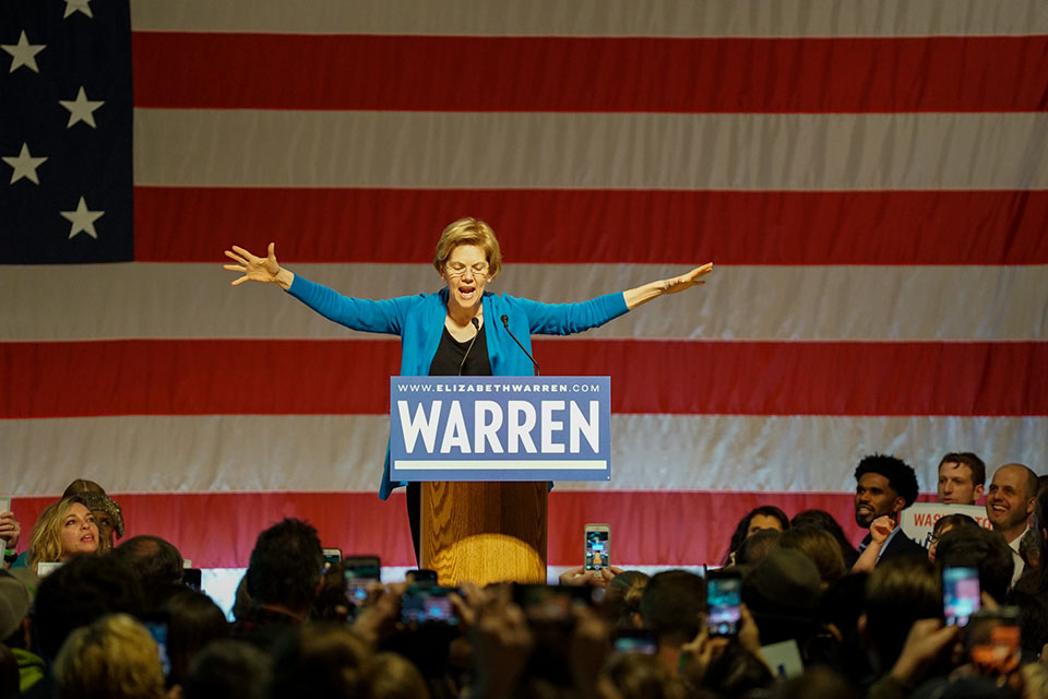 Elizabeth Warren appeared before a crowd of more than 7,000 in Seattle on Saturday, February 22 at the Seattle Center Armory in her campaign for president