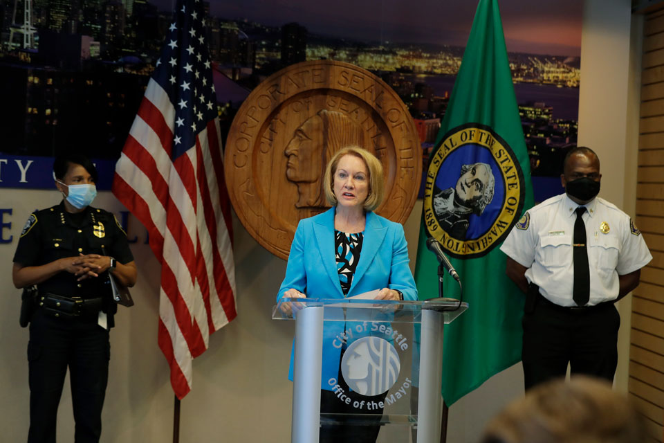 seattle police defund mayor