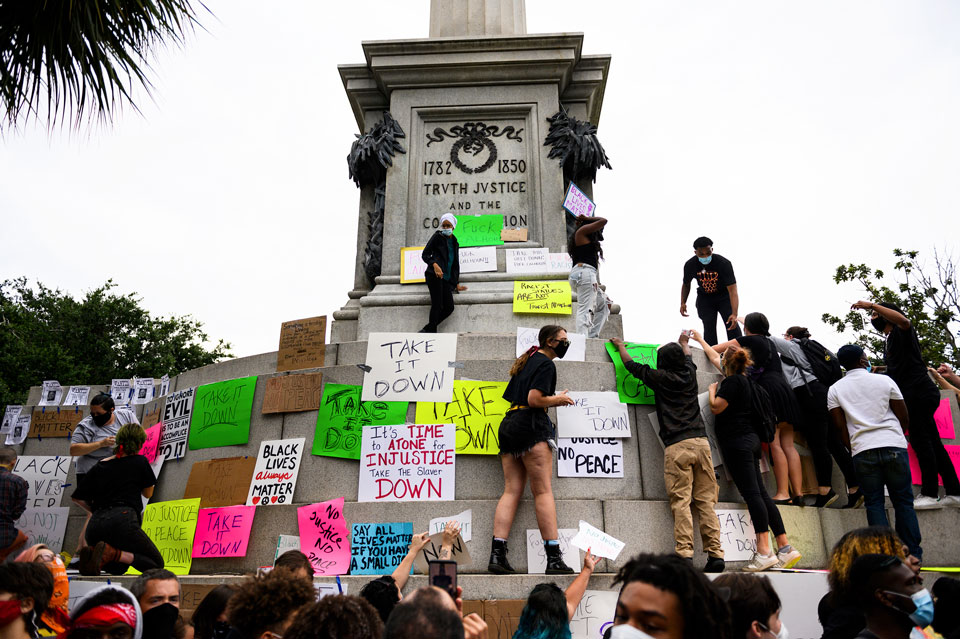 calhoun statue removed protest