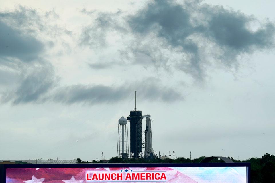 nasa shuttle launch shuttle