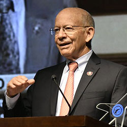 Rep. Peter DeFazio accepts an award from the Airline Pilots Assocation, June 2019.
