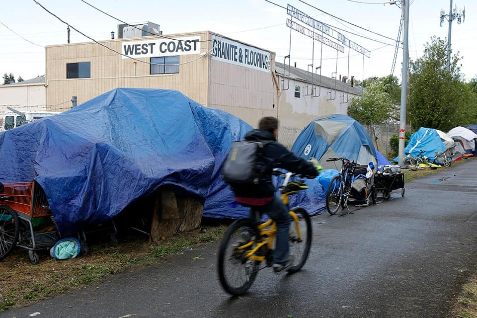 Oregon Lawmakers Vote to Expedite Emergency Shelter Process