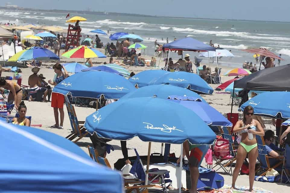 Crowds Flock to Beaches and Parks as Experts Warn of Virus Risk